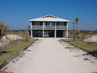 SAFE: Gorgeous 4br/2ba beach house on the Lagoon with private pool - Gulf Shores vacation rentals