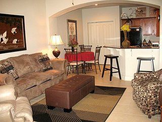 EMG3702:1BR/1BA condo w/access to hot tub, tanning, pool w/slides & FREE Golf - Gulf Shores vacation rentals
