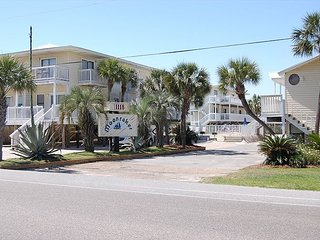 Moonraker 24: Newly Remodeled 1br/1ba Condo directly across from Beach - Gulf Shores vacation rentals