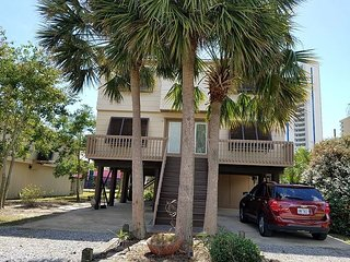 3PalmsW: Beautiful 2bedroom, Pet Friendly House located near beach/shopping - Gulf Shores vacation rentals