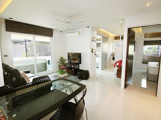3BR Modern apartment in best area ★★★★★ - Chiang Mai vacation rentals