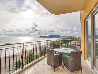 Perfect 3 bedroom Condo in Jaco with A/C - Jaco vacation rentals