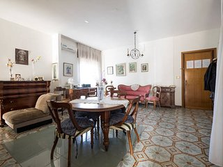Bright 2 bedroom Foggia Condo with Internet Access - Foggia vacation rentals