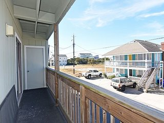 Winds VI 1D - Fantastic ocean front condo with pool - Carolina Beach vacation rentals