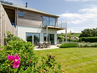 Sloopside Annex in Bantham - Gorgeous Home with Views to Bigbury bay! - Bantham vacation rentals