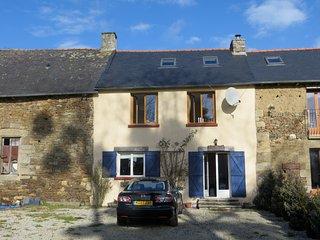 Saint Servan Cottage, Yvignac-La-Tour, Brittany - Yvignac-la-Tour vacation rentals