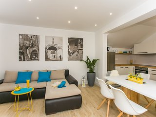 Deluxe Apartment Giovanni 2 with pool - Trogir vacation rentals