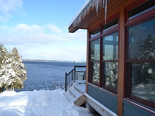Beautiful Cottage with Deck and Internet Access - Muskoka Lakes vacation rentals