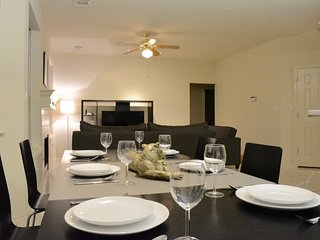 5 bed 2.5 bath Spacious, Quiet, Entertaining Home - Austin vacation rentals