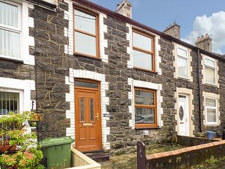TRYFAN, comfortable modern cottage, WiFi, Sky TV, in Llanberis, Ref 941277 - Llanberis vacation rentals