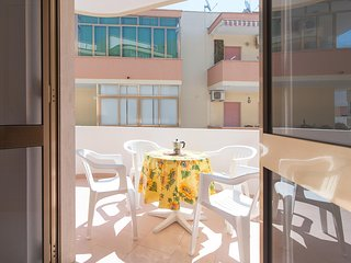 Wonderful Apartment with Television and Balcony - Gallipoli vacation rentals