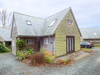 STOWE COTTAGE, detached, wet room, WiFi, near Camelford, Ref 938707 - Camelford vacation rentals