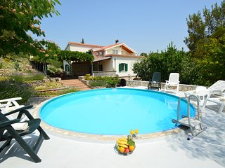 Nice House with Internet Access and A/C - Raslina vacation rentals