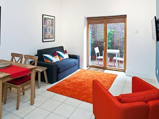 Stylish 1x bed with private garden - Dublin vacation rentals