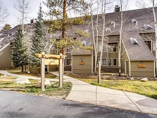 3BR, 2.5BA Keystone Condo in Pines Complex w/Hot Tub and Pool - Dillon vacation rentals