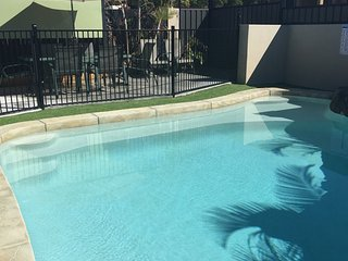 Anaheim Parkland Oasis |SUNNY POOL |HOT SPA|by Getastay - Upper Coomera vacation rentals