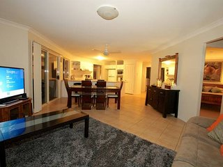 Anaheim Family Lodge | SPACIOUS LIVING | GAMES ROOM | by Getastay - Upper Coomera vacation rentals