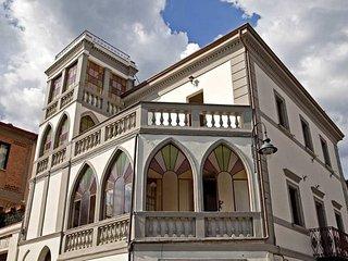 Villa Garibaldi Camera Garibaldi Rosso - Bettolle vacation rentals