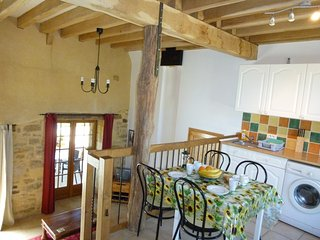 Close to Sarlat barn conversion, full of charm, pool, views WIFI great location - Sarlat-la-Canéda vacation rentals