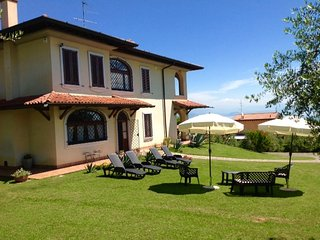 VILLA BEATRICE  WITH OUTDOOR SWIMMING POOL GARDEN AND BEAUTIFUL LAKE VIEW !!!! - Padenghe sul Garda vacation rentals