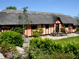 Charming Holiday Cottage at Streele Farm - Rotherfield vacation rentals