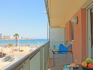 Apartment in front of the beach in L´Escala with sea view - L'Escala vacation rentals