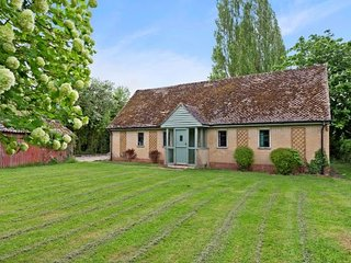A beautiful 3/4 bedroom cottage set in idyllic and secluded grounds. - Eynsham vacation rentals