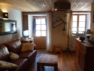 Maison D'Olga - Charming studio apartment in traditional Savoyard village - Peisey vacation rentals