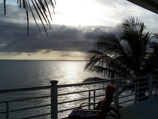 BEACHFRONT HOME, JANUARY SPECIAL, DOGS STAY FREE, STUNNING VIEWS, WALKING BEACH - Anna Maria vacation rentals