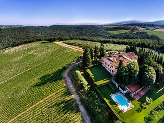 Stunning 9BR Villa With Breathtaking Pool & Views! - Greve in Chianti vacation rentals