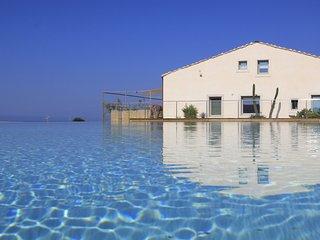Kaos, Petrantica Resort with scenic pool, 4 people - Marina di Ragusa vacation rentals