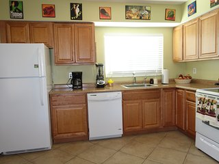 Cozy Clean room close to St Pete beach and Shopping - Saint Pete Beach vacation rentals