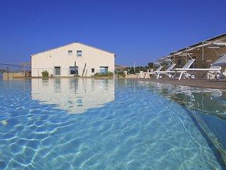 Sud, Petrantica Resort with scenic pool, 6 people - Marina di Ragusa vacation rentals