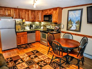 Beautiful 2BR/2BA Remodeled Condo -WiFi- Next to Village w/ Lake Views! - Snowshoe vacation rentals