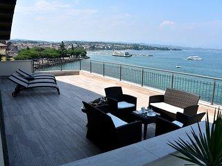 Cleopatra, apt. 22 - Desenzano Del Garda vacation rentals