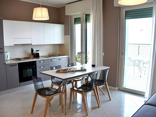Bright Condo with Internet Access and A/C - Desenzano Del Garda vacation rentals