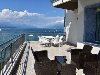 Comfortable 1 bedroom Desenzano Del Garda Apartment with Internet Access - Desenzano Del Garda vacation rentals