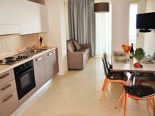 Beautiful Condo with Internet Access and A/C - Desenzano Del Garda vacation rentals