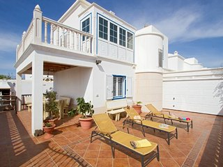 Comfortable 4 bedroom Playa Honda Villa with A/C - Playa Honda vacation rentals