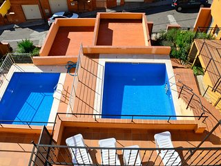 Bright 4 bedroom House in L'Estartit with Washing Machine - L'Estartit vacation rentals
