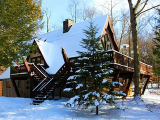 Gorgeous 5 BR Poconos Ski Chalet – Close To Camelback, Jackfrost & Big Boulder - Pocono Lake vacation rentals