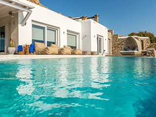 Bright 6 bedroom Agios Ioannis Villa with Internet Access - Agios Ioannis vacation rentals