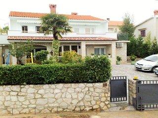 Cozy Omisalj Apartment rental with Internet Access - Omisalj vacation rentals