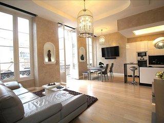 Mably - Appartement de Luxe - Bordeaux vacation rentals