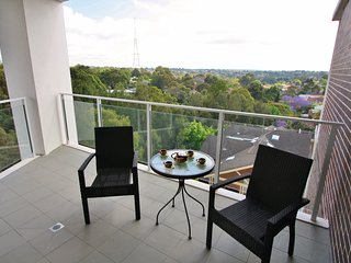 St Leonards 2 bed 2 bath parking aircon district views - Saint Leonards vacation rentals