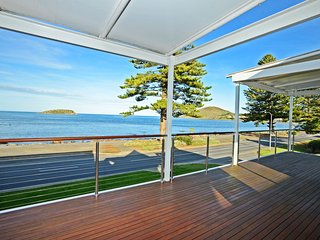 91 Franklin Parade - First Class Luxury with spectacular views - Encounter Bay vacation rentals