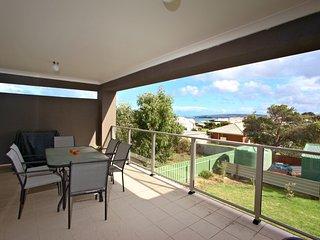 Ayrton Apartments - 13 Elliot Avenue - McCracken vacation rentals