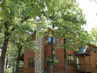 Little Pines (Sleeps 10) Pets Allowed - Oklahoma vacation rentals