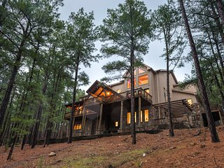 Wildhorse Lodge (Sleeps 15 ) No Pets - Broken Bow vacation rentals