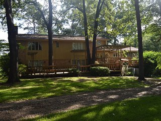 Hilltop Lodge (sleeps 20) No Pets - Oklahoma vacation rentals